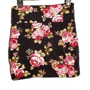 Ambiance Floral/Flower Bodycon Mini Skirt in Med